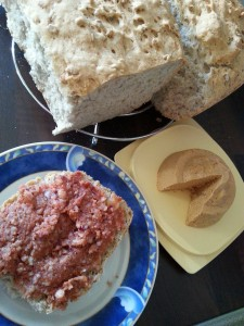 "vegan ""Mett"" fresh bread and vegan cheese"